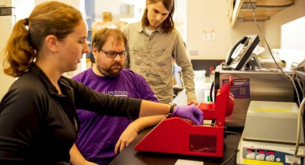 Des scientifiques sont parvenus à infecter un ordinateur avec un brin d'ADN