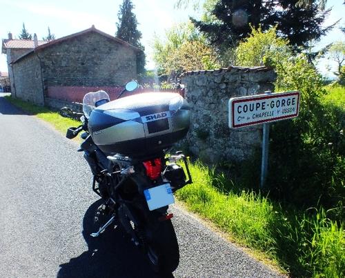 Le Livradois - Forez  : un bonheur de petites routes à moto .