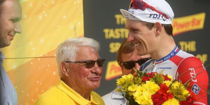 """Cyclisme : Raymond Poulidor hospitalisé depuis fin septembre """"va mieux"""". Lui aussi a perdu de longs mois de sa jeunesse dans la très sale guerre d'Algérie"""