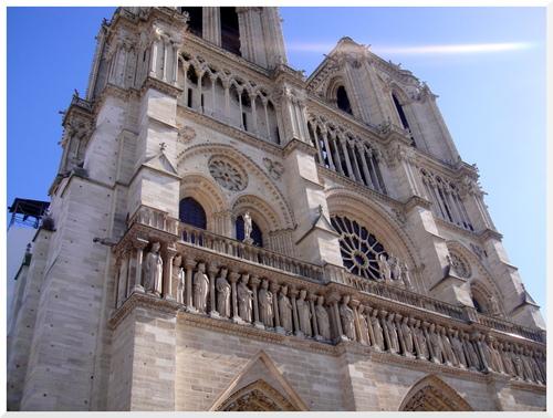 Foule à Notre Dame de Paris