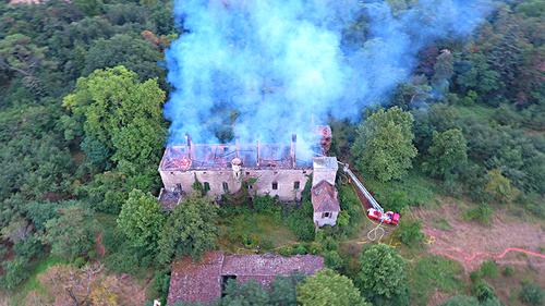 - Le Château de LEZIGNAC