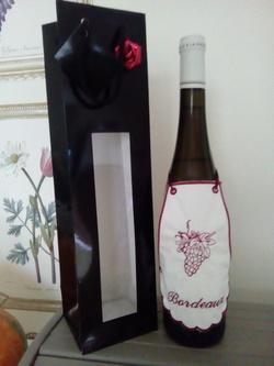 TABLIER de bouteille: BORDEAUX
