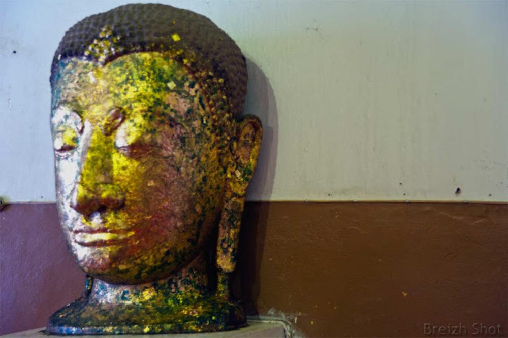 viharn phra mongkhom