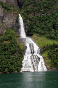 005-cascades du Geiranger