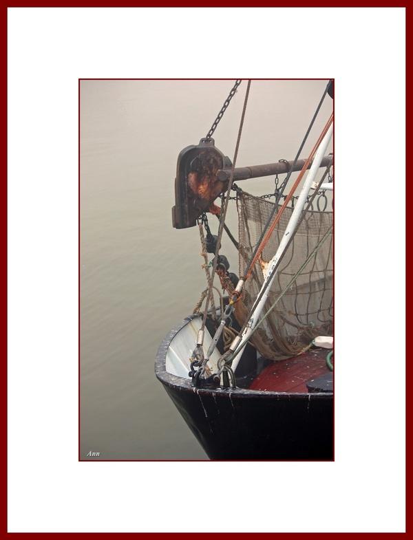 Brume matinale sur le port