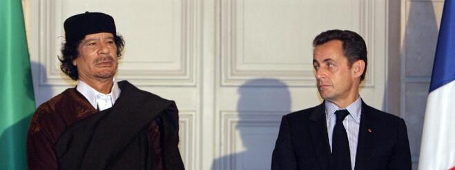 Mouammar Kadhafi et Nicolas Sarkozy, le 10 décembre 2007, à l'Elysée.