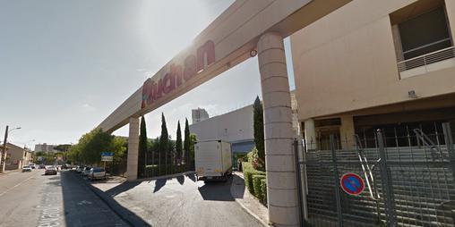 Marseille : une femme en poignarde mortellement une autre dans un supermarché