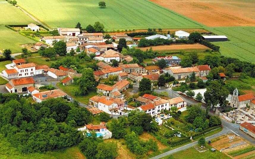 """Résultat de recherche d'images pour """"Saint-Martin-du-Clocher"""""""