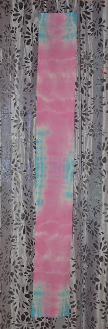 écharpe rose et bleu tie and dye 3