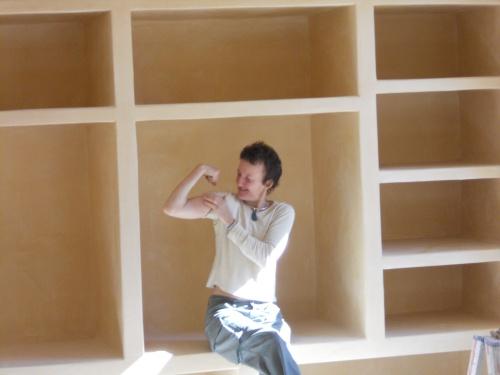 comment recouvrir des tageres en briques avec de la chaux. Black Bedroom Furniture Sets. Home Design Ideas