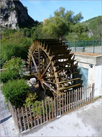 Fontaine -De -Vaucluse