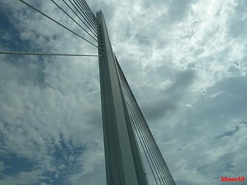 viaduc-de-millau--35--border.jpg