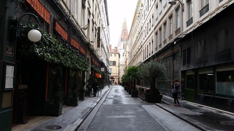 MARSEILLE-Mamiekéké partage ses petits bonheurs .... Lyonnais ...