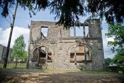 Oradour, village fantôme ou village martyr