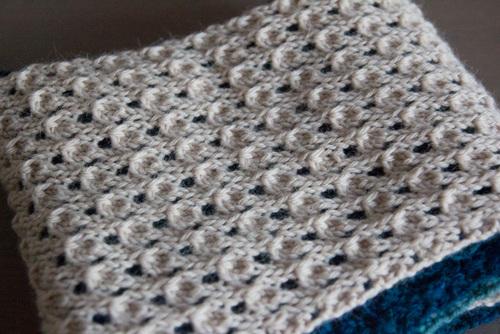 Mylène - Cadeau de Noël : Echarpe diagonale au tricot
