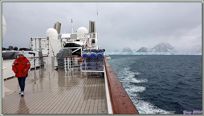 Dommage ce manque de visibilté qui fait que nous ressortons du Fjord Drygalski sans avoir pu vraiment y entrer ... - Géorgie du Sud