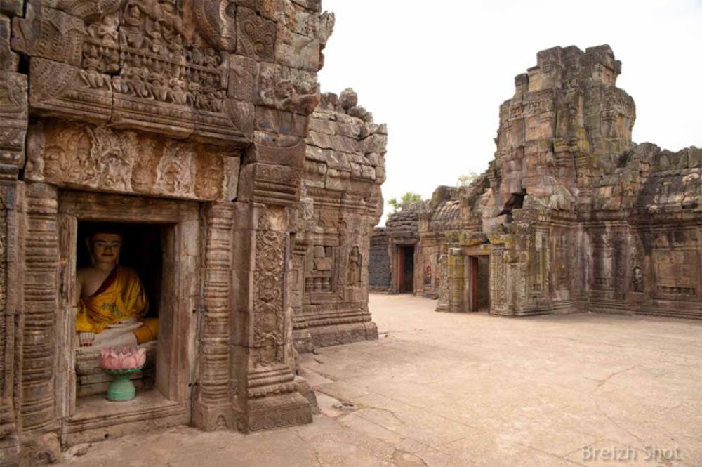 Le Vat Nokor - Banteay Prei Nokor - Kampong Cham - Bouddha dans une niche