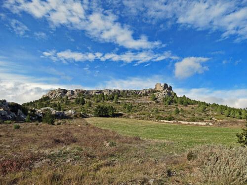 Le Château de Salveterra (400 m) depuis Opoul (côte 207 sur le D.9)