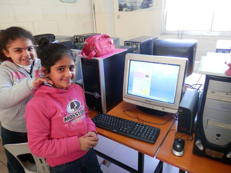 Atelier informatique : les EB4 en action.