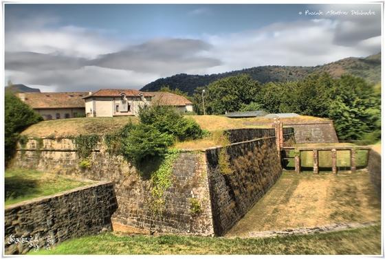 Saint-Jean-Pied-de-Port (en virage HDR)