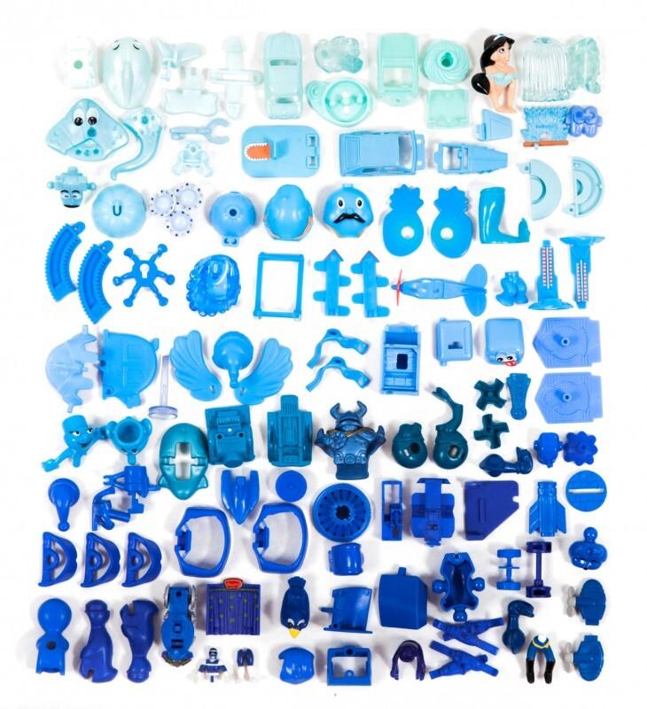 piece kinder surprise couleur classement 08 730x800 Des pièces de Kinder Surprise classées par couleurs