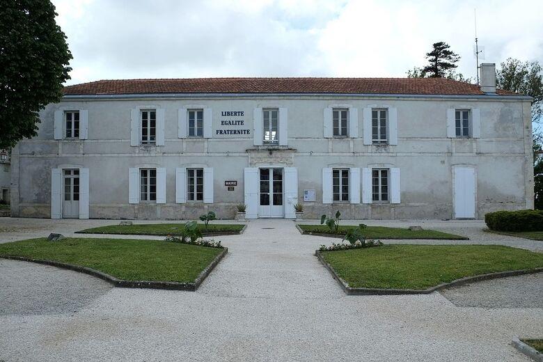 370 - Mairie - Lhoumeau.jpg