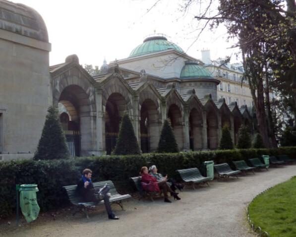 9 - Chapelle expiatoire dans le Square Louis XVI