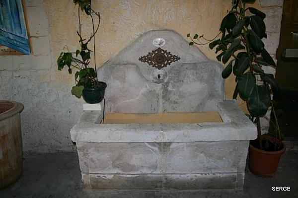 Fontaine-du-Vaucluse-4261--800x600-.jpg