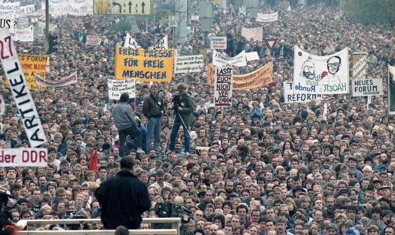 Il y a 30 ans, la chute du mur de Berlin (2-5)