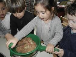Atelier cuisine en TPS-PS: La compote de pommes
