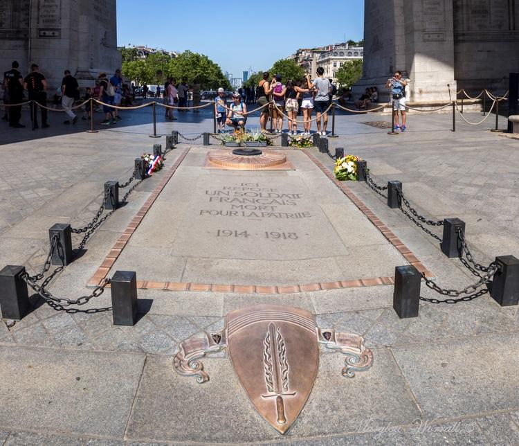 Paris : Arcs de Triomphe etc.