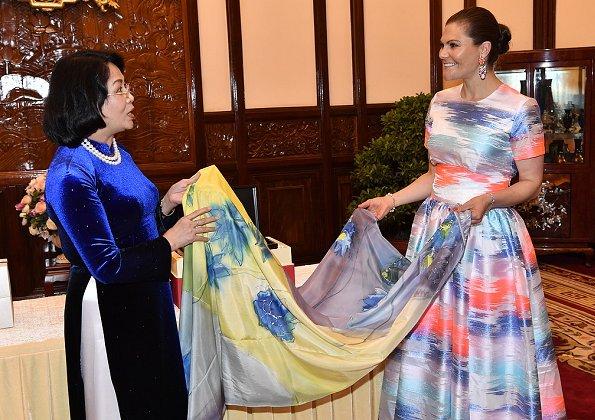 Avec la vice- présidente