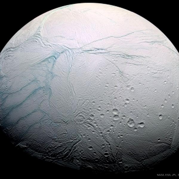 Molécules organiques sur Encelade