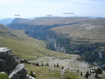 Du belvédère, vue sur l'aval du canyon d'Anisclo