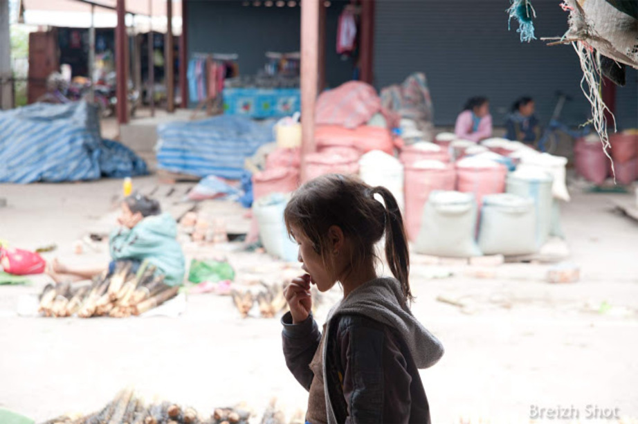 enfant errant laos