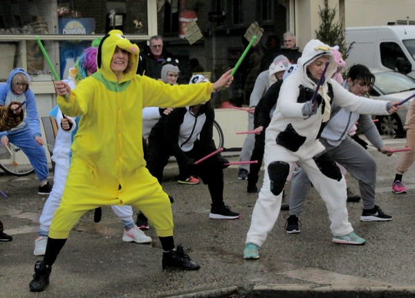 La folle corrida de Noël organisée par les Vitrines Châtillonnaises a eu un grand succès !