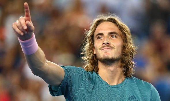Le tennisman grec Stefanos Tsitsipas victorieux contre Roger Federer *