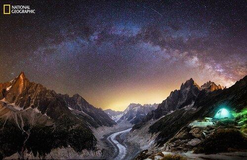 Une nuit sous les étoiles, près du Mont Blanc, Chamonix, France