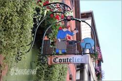 Enseigne de magasin à Riquewihr Haut-Rhin Alsace