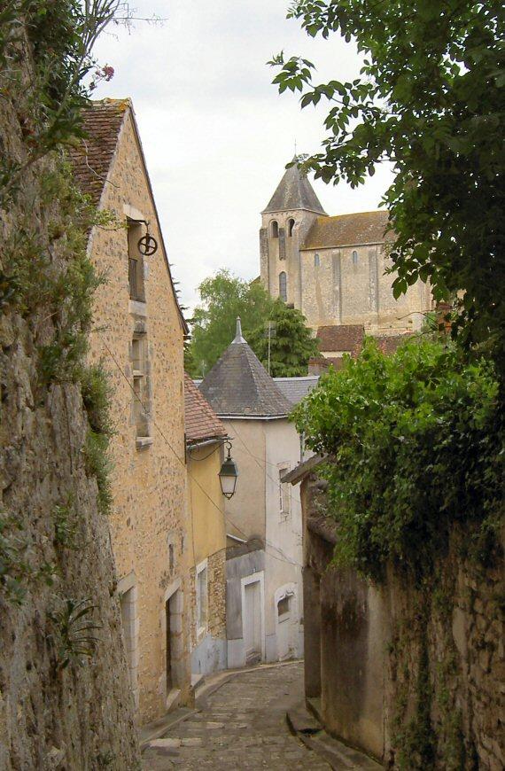 Ruelle des Haute Tours en Ville Haute du Blanc