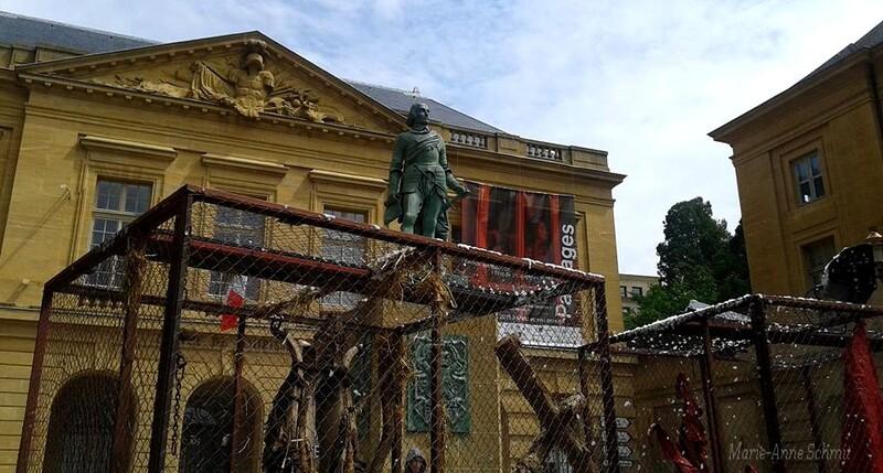 Déambulation dans les rues messines, place d'Armes Metz