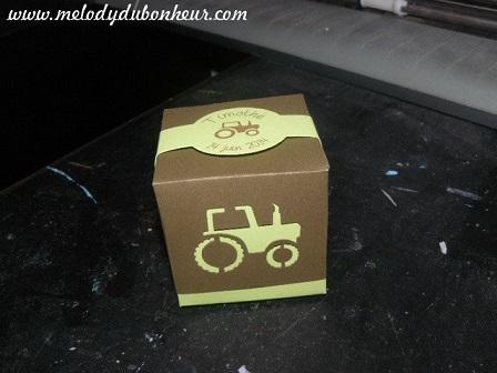 Boite à dragées thème tracteur