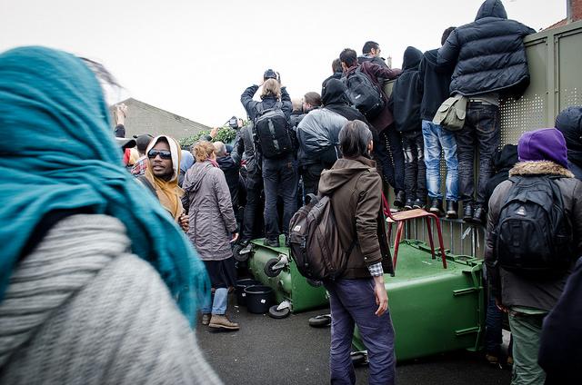 L'Union européenne distribue des cartes de paiement aux migrants en Turquie