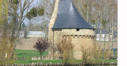 LES REMPARTS DE SACEY (Manche)