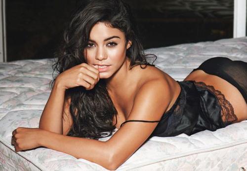 Vanessa Hudgens sexy en dessous chics