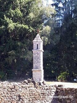E 33 de Bénévent l'Abbaye à Châtelus le Marchaix