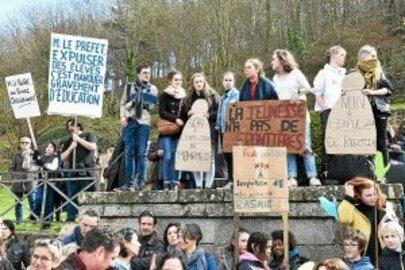 Expulsions d'élèves étrangers. 500 manifestants  (LT-25/03/2018)