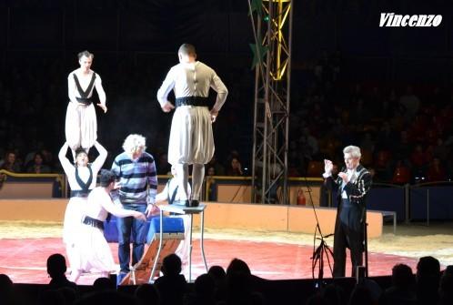cirque saut acrobatique C