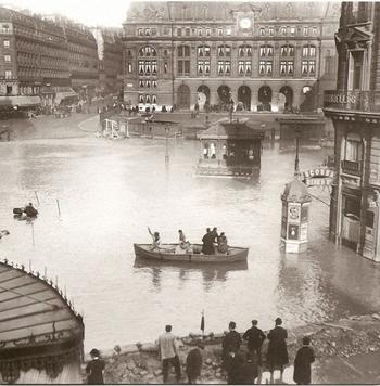 inondations-Seine-gare-de-Saint-Lazare-1910-640x651