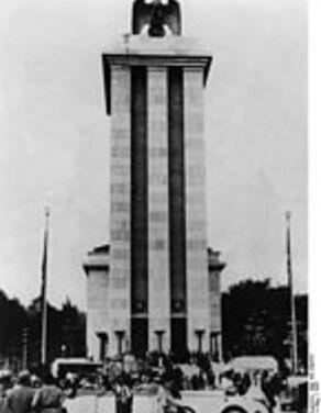 Oeuvre 4- Le pavillon Nazis (aigle allemand)